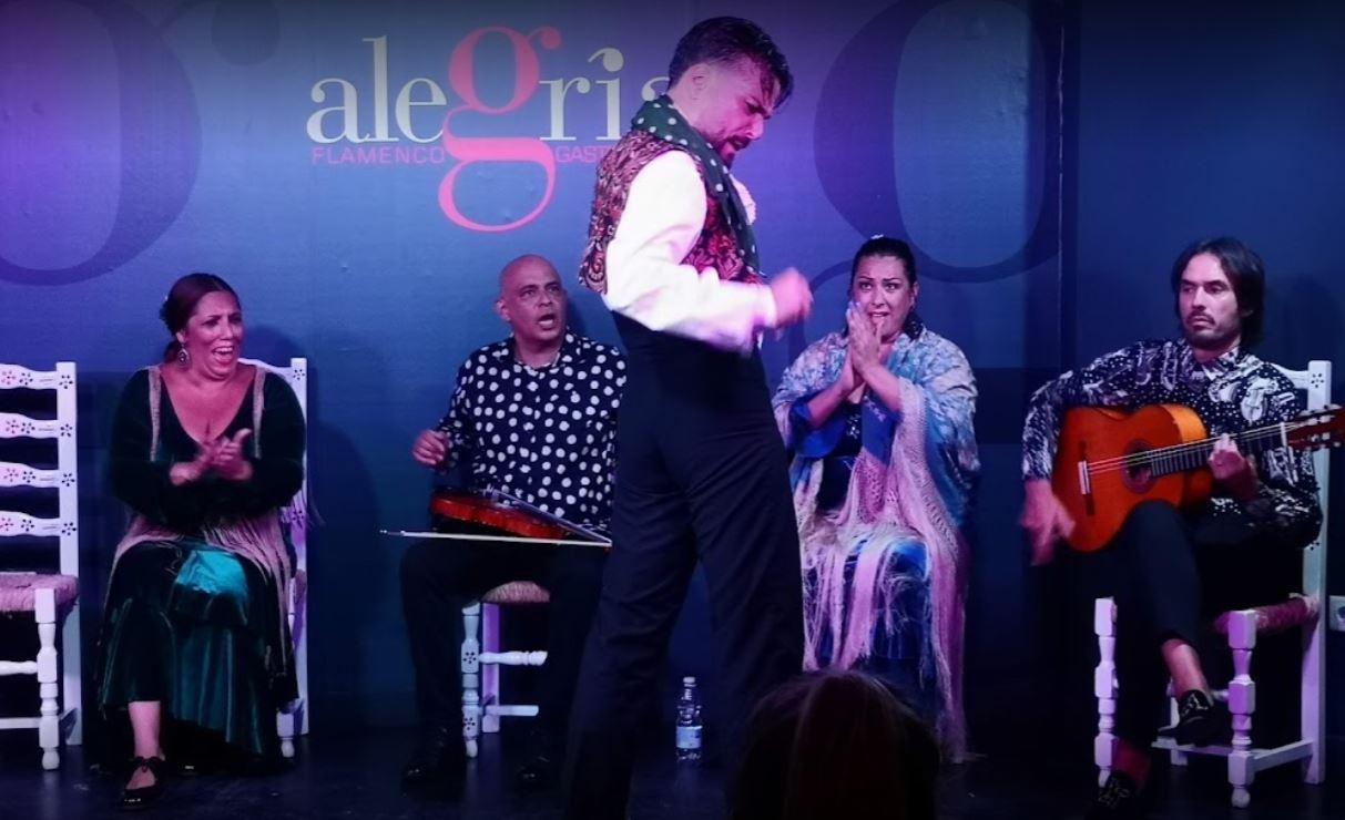 Tablao con espectáculo flamenco Alegría
